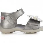 sandali-argento-Kickers-mamme-a-spillo