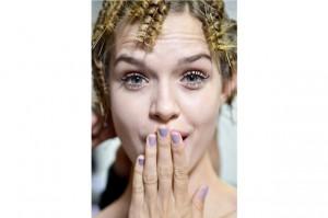 Emporio-Armani-manicure-pastello-pe-2014-mamme-a-spillo
