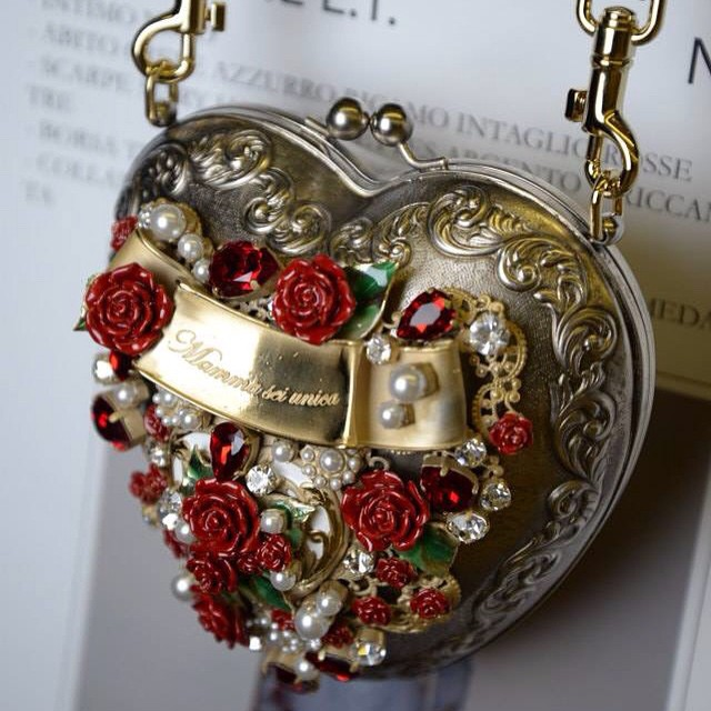 Bianca Dolce Spillo Gabbana Mamme Per Sfila E Balti A Incinta fwrqfZ