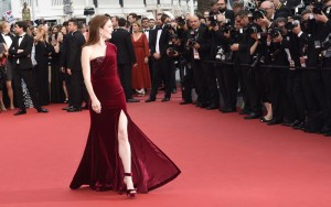 Julianne Givenchy Cannes 2015 mamme a spillo