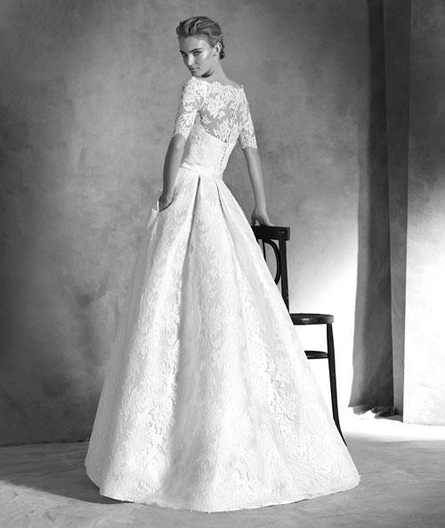 Pronovias 2016  la collezione per una sposa ricercata - Mamme a spillo ed5843fcc5a