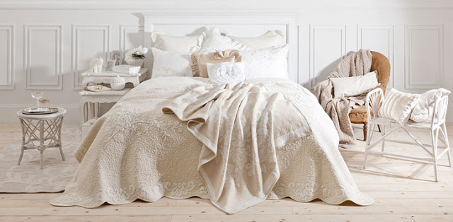 Come arredare una casa in perfetto stile provenzale for Tessuti arredamento inglesi