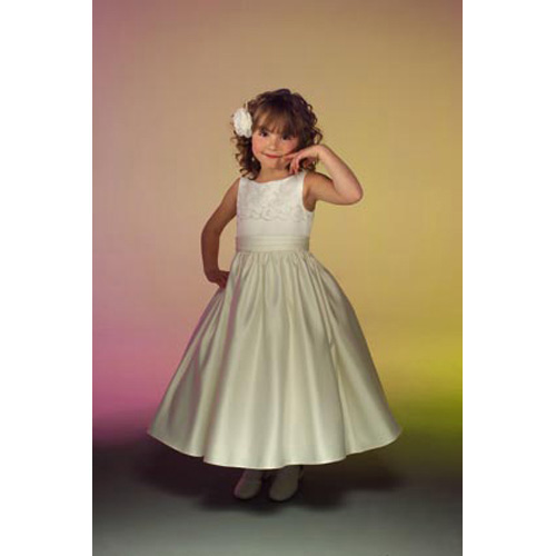a7ea18db37c7 Abiti da cerimonia per bambini  abiti per le grandi occasioni