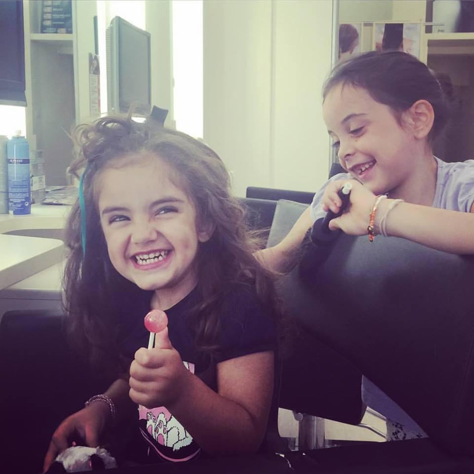 dal-parrucchiere-con-i-bambini