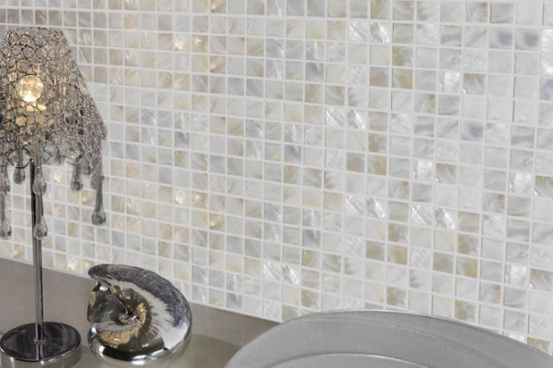 Arredare il bagno in modo originale il mosaico - Mattonelle mosaico per bagno ...