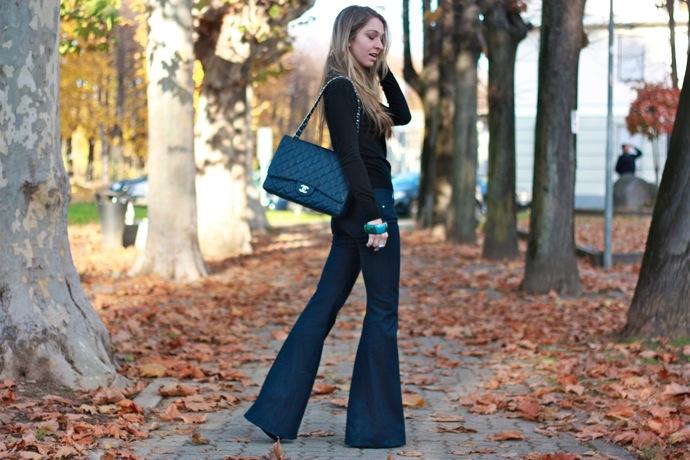 Pantaloni a zampa per l'a i 2015: di nuovo di moda il mood
