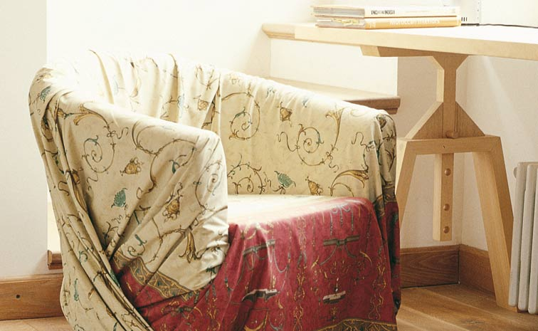 Teli arredo idee per innovare e cambiare aspetto alla for Granfoulard per divano
