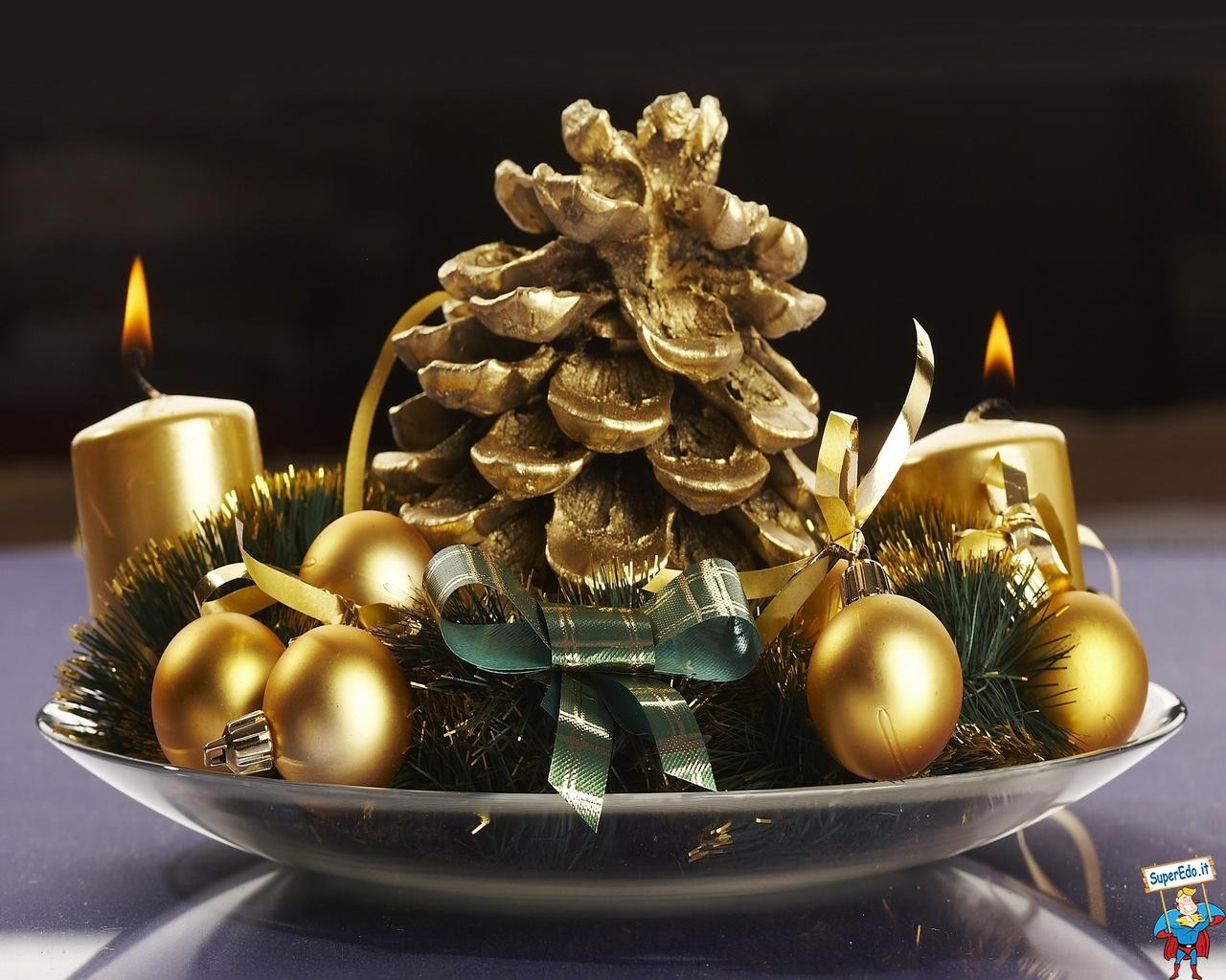 Decorazioni Natalizie Low Cost centrotavola natalizio: idee originali e low cost per