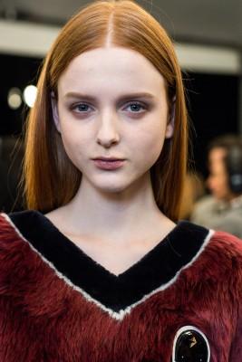tendenze capelli inverno 2015 2016 capelli con riga rossi le cabinet des modes.