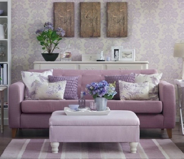 arredi-e-decorazioni-lilla-in-salotto