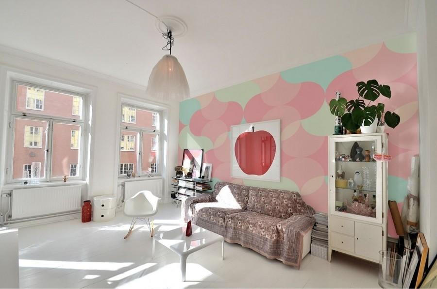 salotto-con-decorazioni-rosa