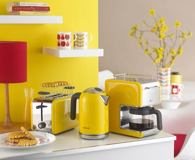 Pareti Gialle Per Cucina : La casa del sole come arredare con l allegro mix bianco e