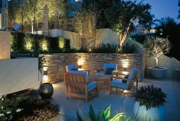 illuminazione da esterni: per giardini e terrazze da sogno