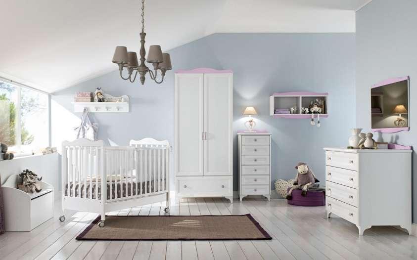 Cameretta per beb come arredarla e le idee pi belle - Mensole sopra il letto ...