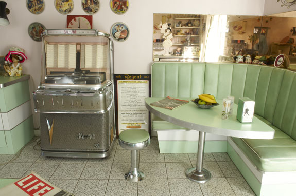 Cucina all\'americana anni \'50: ecco come arredarla