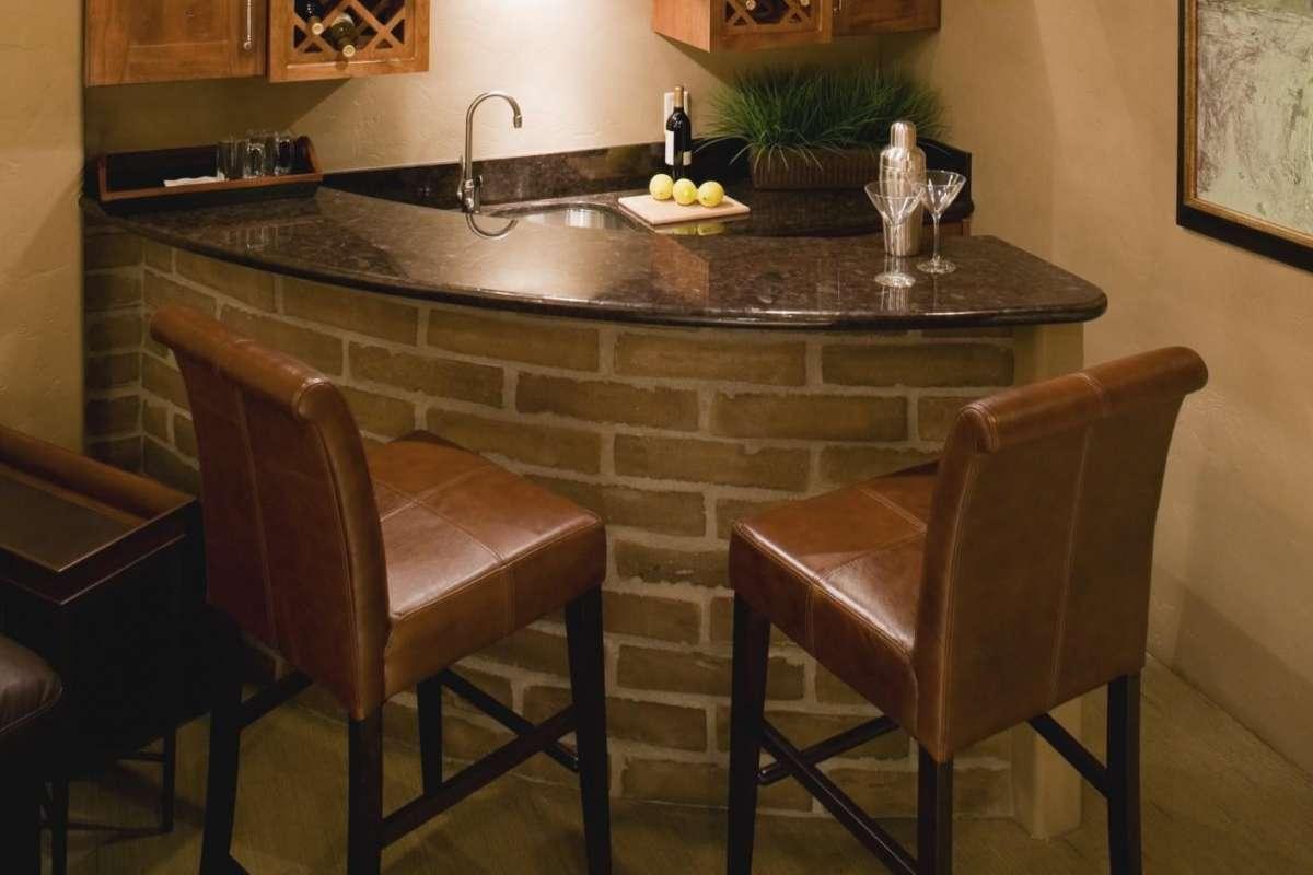 Angolo Bar Moderno Salotto.Un Angolo Bar A Casa Propria Ecco Come Realizzarlo