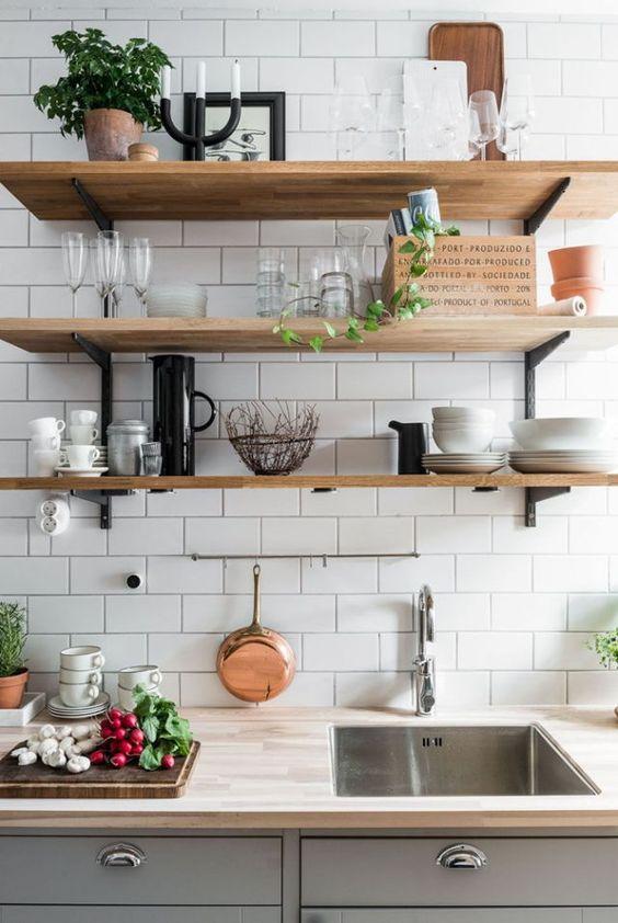 Cucina: più bella ed organizzata con le mensole (per ogni ...