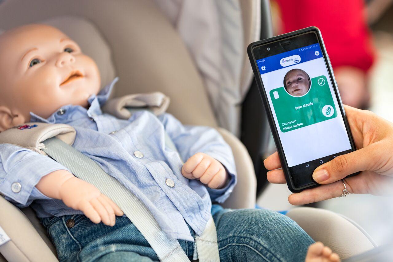 Chicco Bebècare: il nuovo sistema per la sicurezza in auto ...